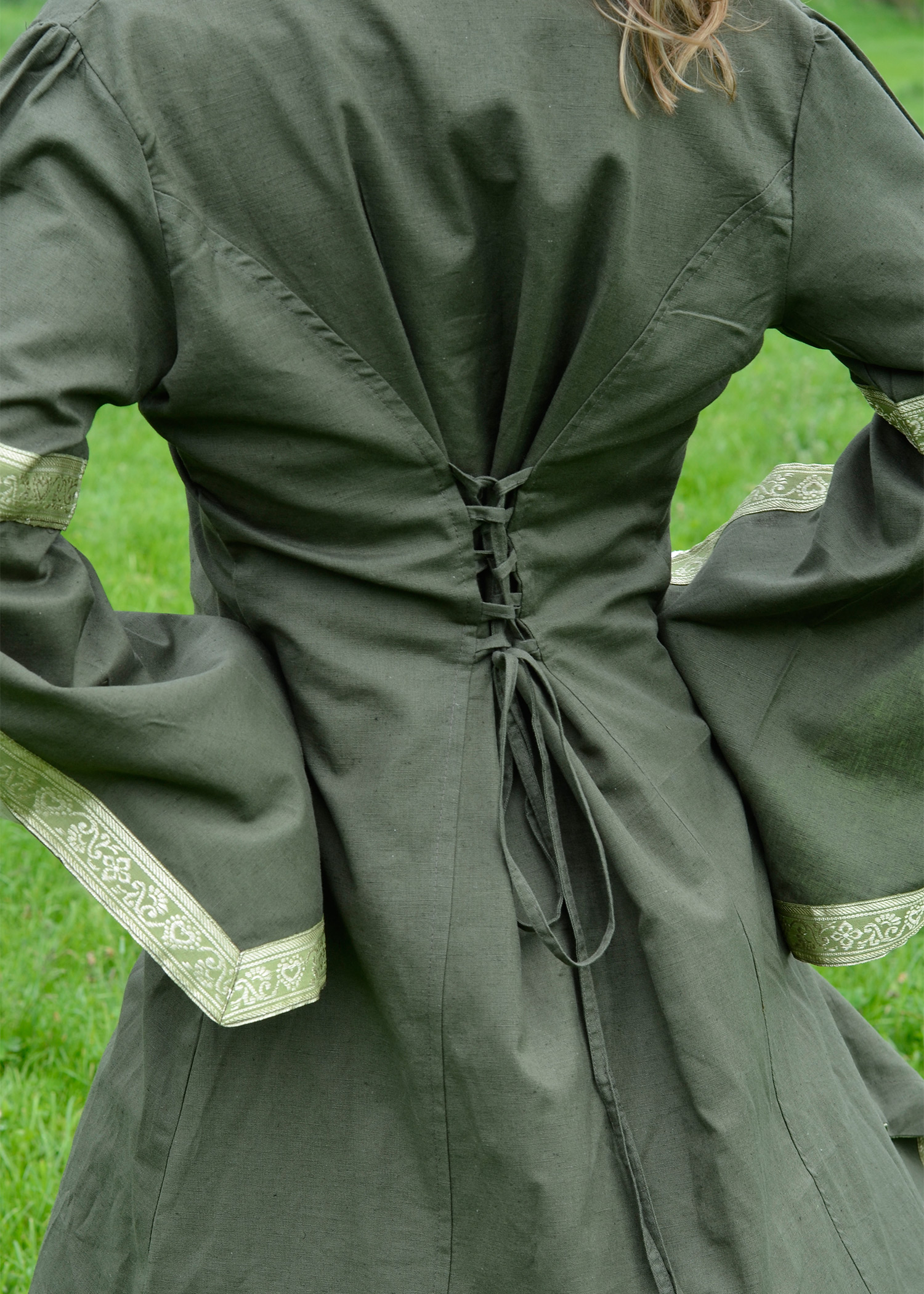 Mittelalterliches Unterkleid Nessa verschiedene Farben