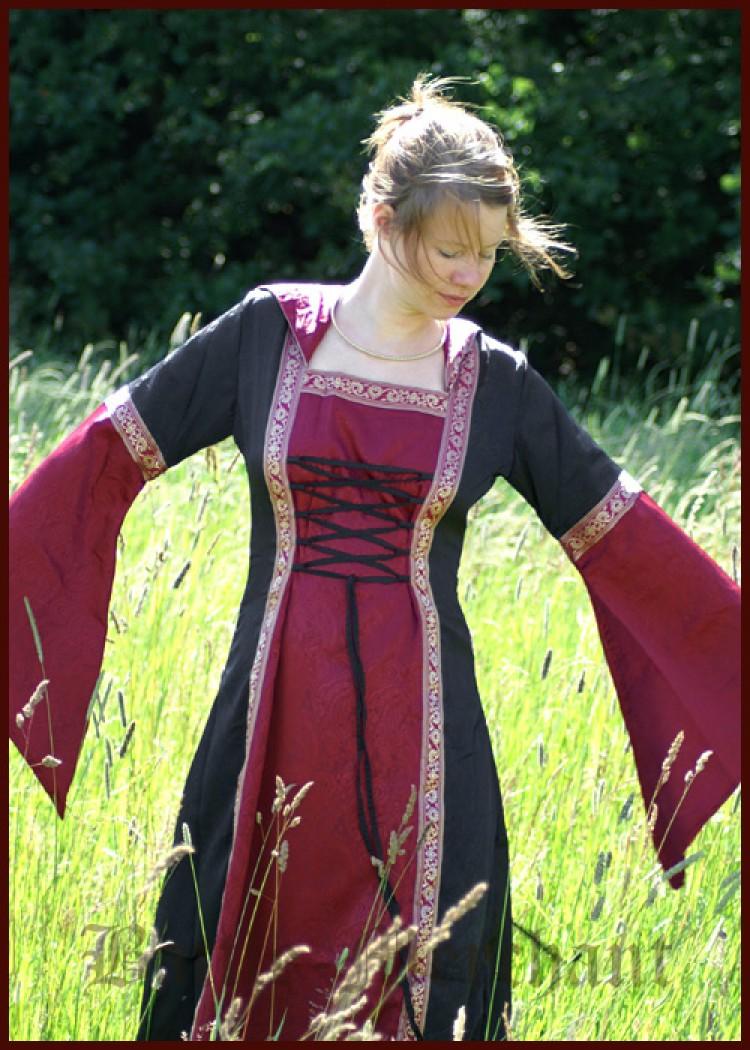 Mittelalterkleid Cecilia rot/schwarz - Burgfräulein ...